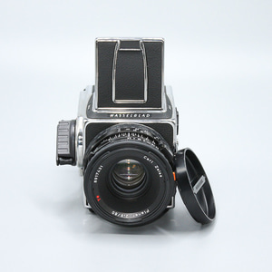 HASSELBLAD 503CW+80mm 2.8 Planer T*